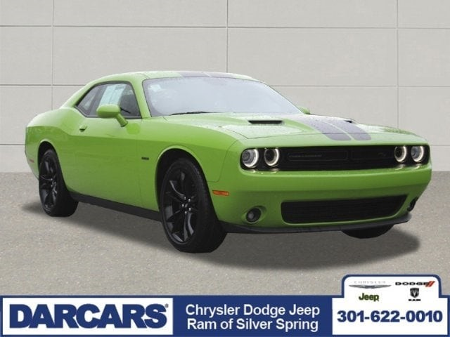 Pre-Owned 2017 Dodge Challenger R/T Rear Wheel Drive 2dr Car