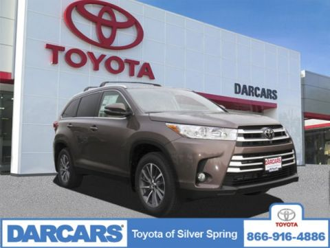 Pre-Owned 2019 Toyota Highlander SE AWD Sport Utility